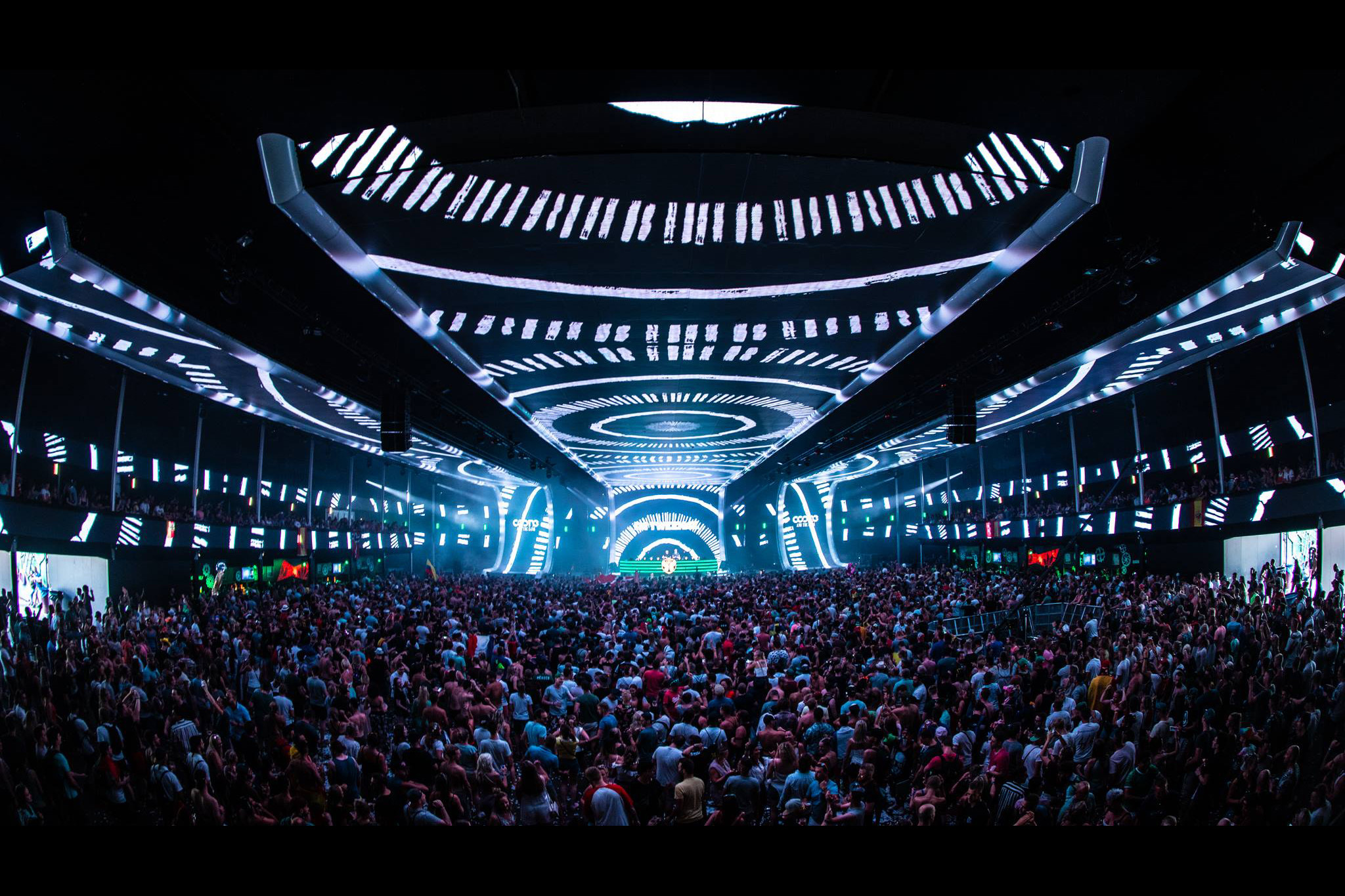 Coone & The Gang – VeeMee Visuals